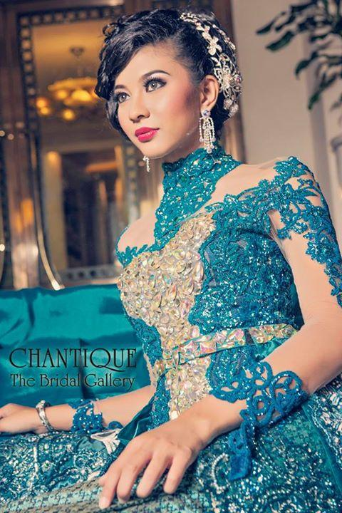 chantique-traditional-gowns-2b