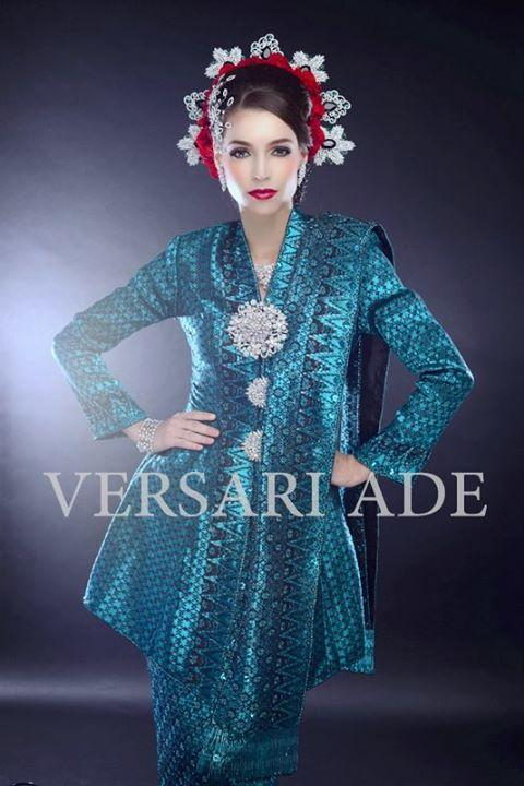 versari-traditional-gowns-2