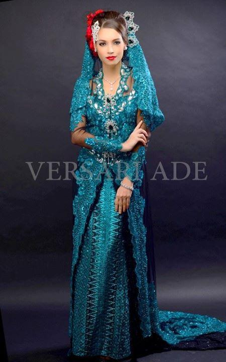versari-traditional-gowns-3