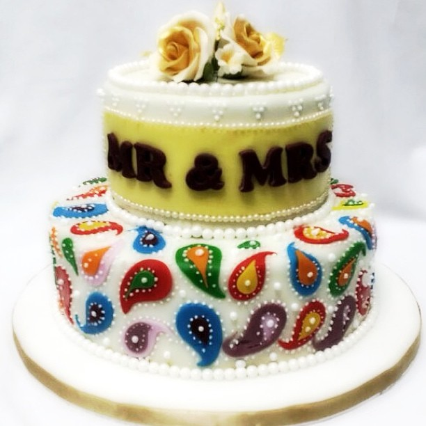 temptations-2-wedding-cake