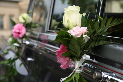wedding car with roses decor