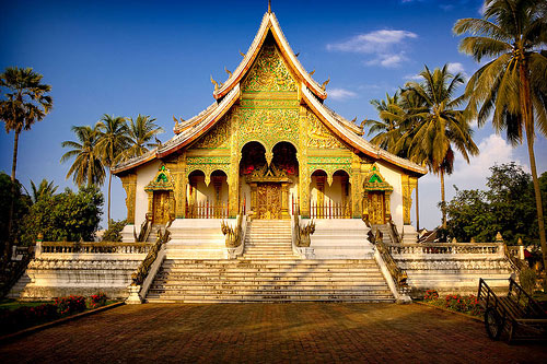 engaged-destination-prabang-1