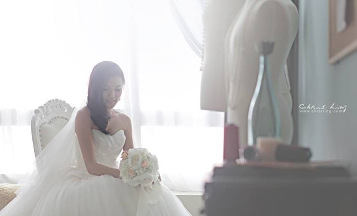 blissful-bride-chris-ling-photography